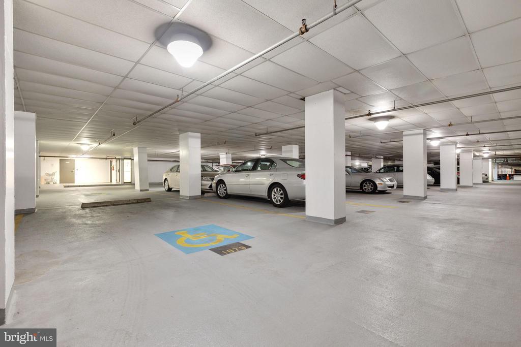Large Assigned Parking Space - 1530 KEY BLVD #130, ARLINGTON