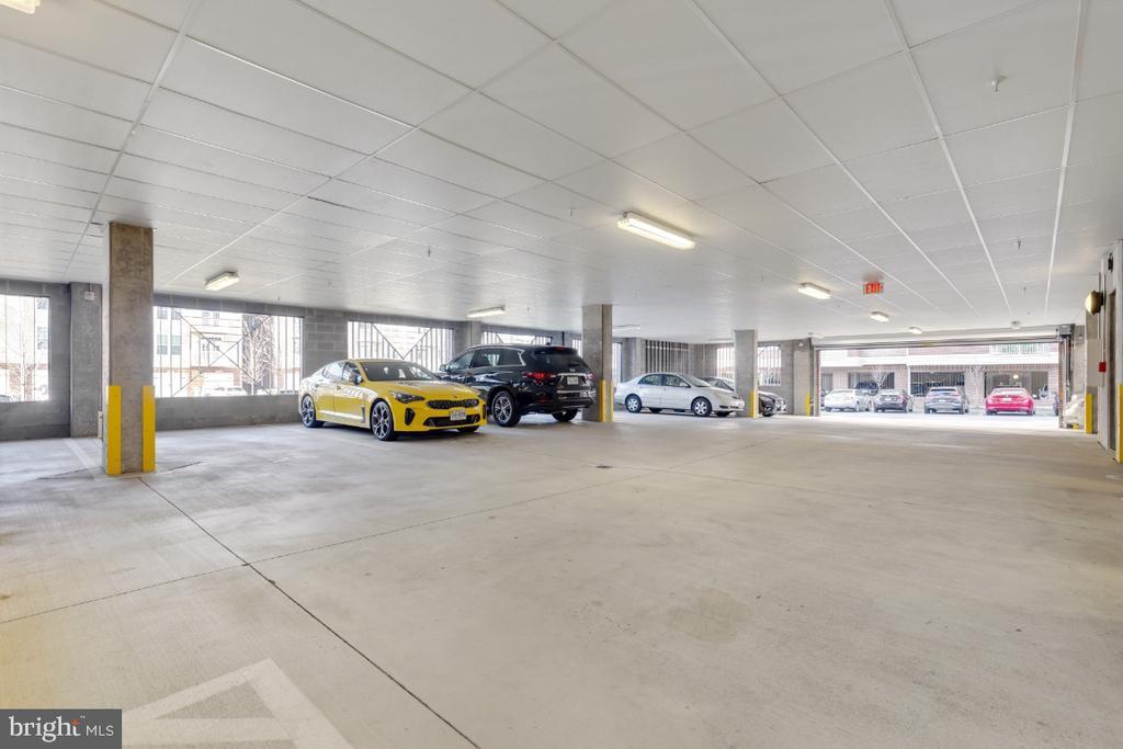 Covered Garage - 3160 JOHN GLENN ST #308, HERNDON