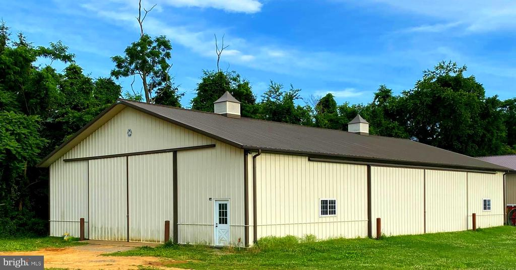 Hangar/Storage building - 12138 HARPERS FERRY RD, PURCELLVILLE