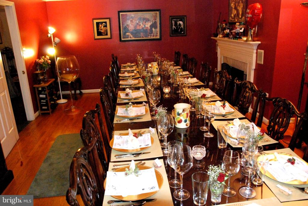 Large Dining room has a fireplace - 12138 HARPERS FERRY RD, PURCELLVILLE