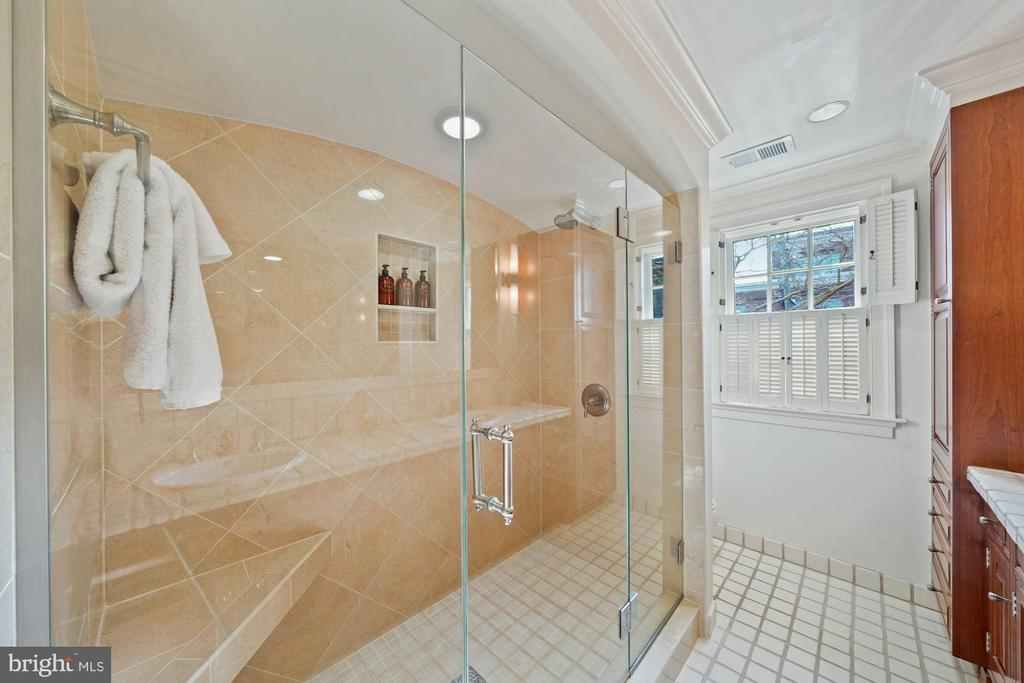 Seamless glass enclosed walk in shower in the MBA - 639 S SAINT ASAPH ST, ALEXANDRIA