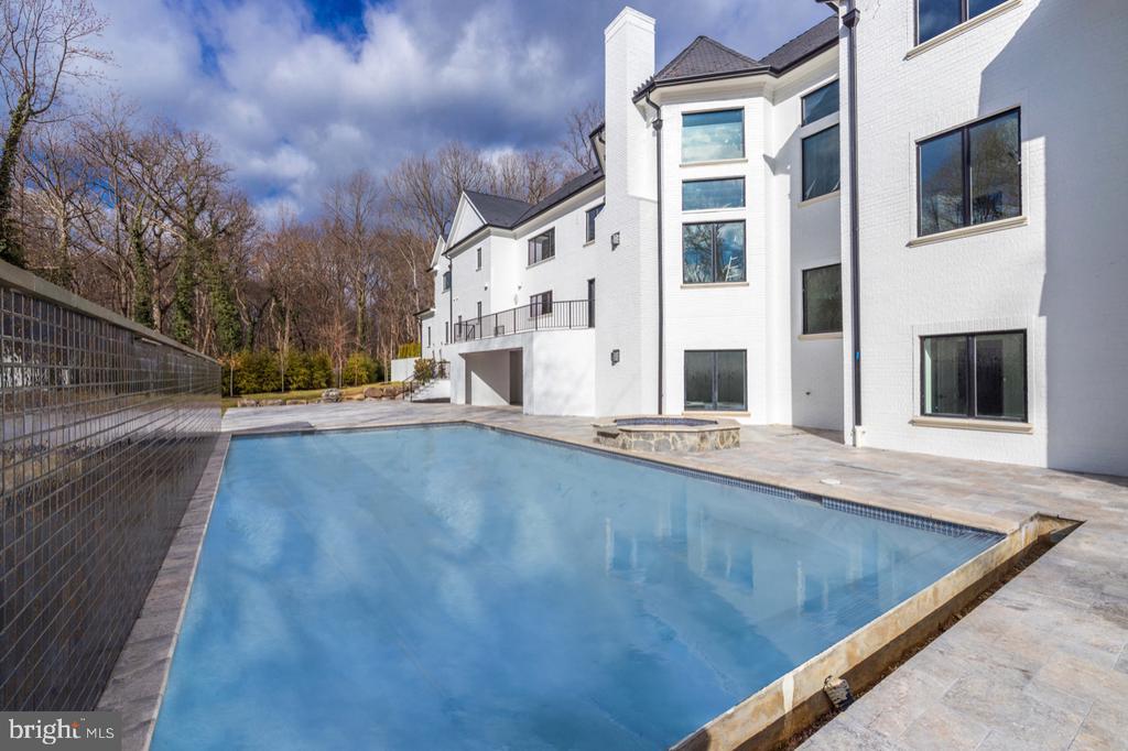 Exterior Rear - Pool - 1332 MCCAY LN, MCLEAN