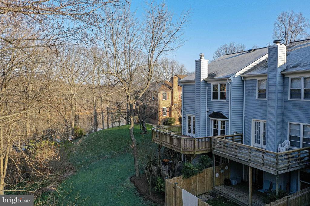 Exterior Rear with view of Occoquan Reservoir - 11710 COLLINGWOOD CT, WOODBRIDGE