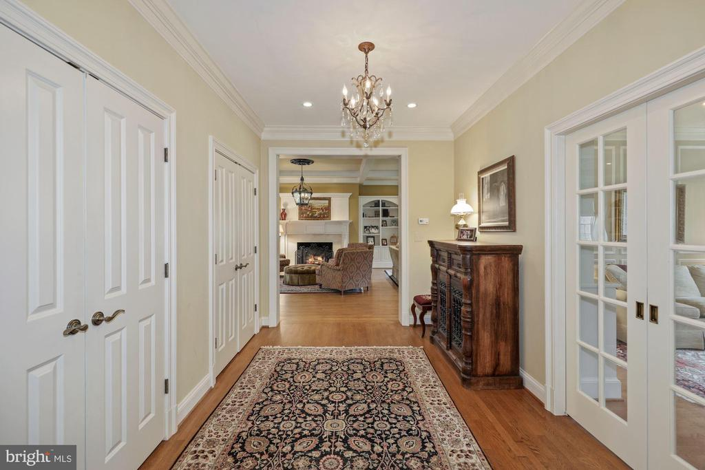 Back Hallway from Kitchen to Great Room - 1901 ALLANWOOD PL, SILVER SPRING