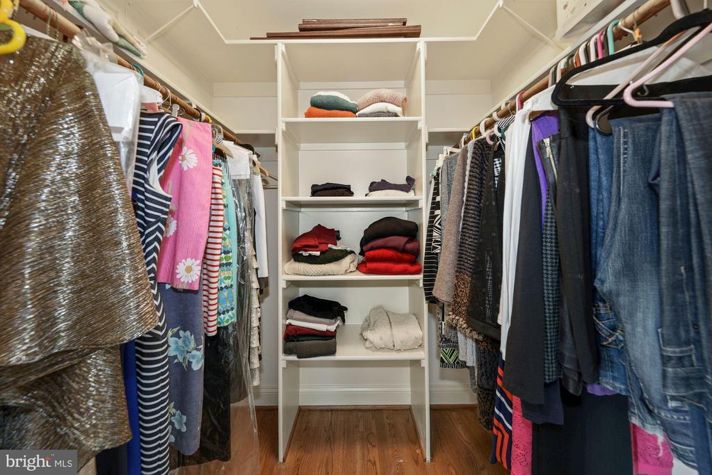 Bedroom 5 walkin closet w/organizers - 1901 ALLANWOOD PL, SILVER SPRING