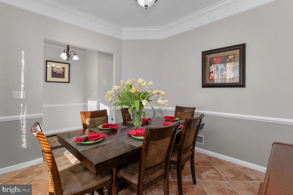 DINING ROOM VIEW 3 - 25487 FLYNN LN, CHANTILLY