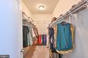 Primary suite walk-in closet - 11322 SCOTT PETERS CT, MANASSAS