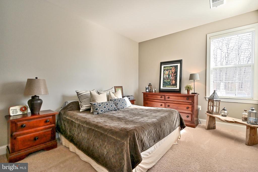 Spacious 3rd bedroom - 11322 SCOTT PETERS CT, MANASSAS