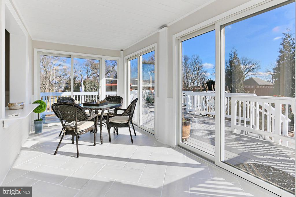 Sun room; the perfect hangout spot year-round! - 9401 OX RD, LORTON