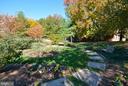Beautiful landscaping - 2100 LEE HWY #344, ARLINGTON