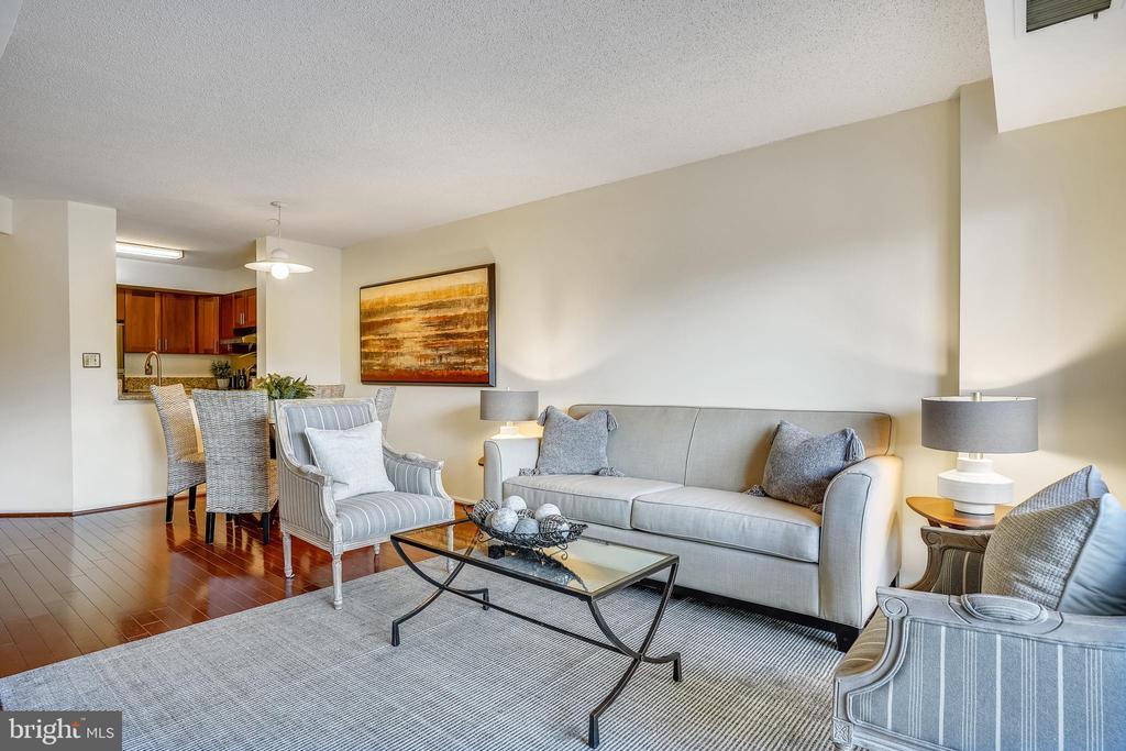 Living room - 2100 LEE HWY #344, ARLINGTON
