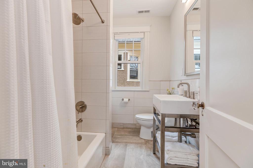 Bathroom - 3510 MACOMB ST NW, WASHINGTON