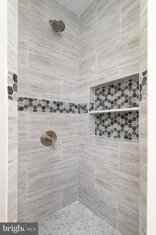 Master Shower - 4502 DIX ST NE, WASHINGTON