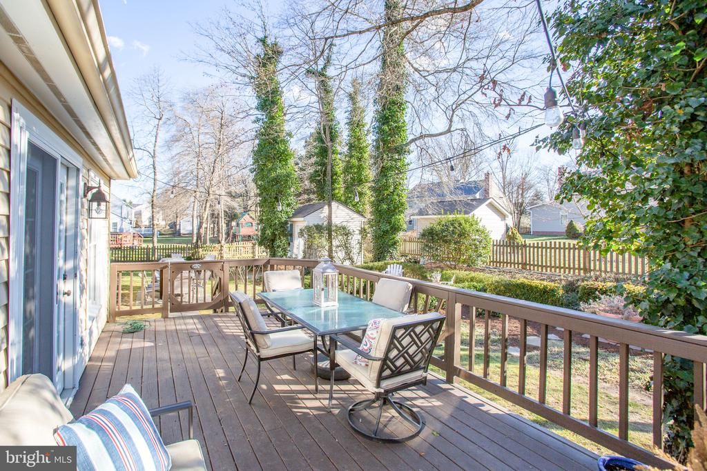 Lovely deck with room galor - 6102 NEW PEMBROOK LN, FREDERICKSBURG