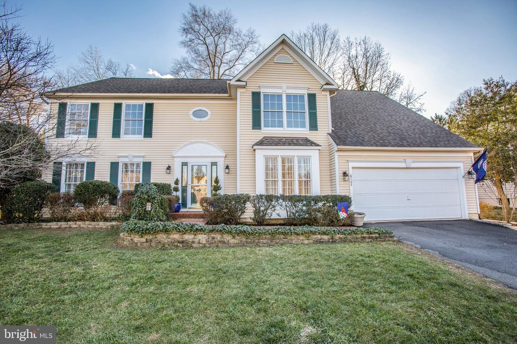 Welcome home to 6102 New Pembrook Lane - 6102 NEW PEMBROOK LN, FREDERICKSBURG