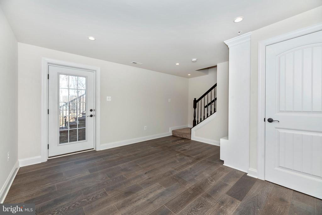 Lower Level Entry/ Mudroom - 6626 ACCIPITER DR, NEW MARKET