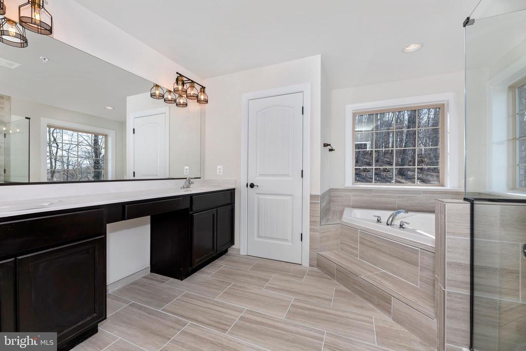 Master Bathroom - 6626 ACCIPITER DR, NEW MARKET