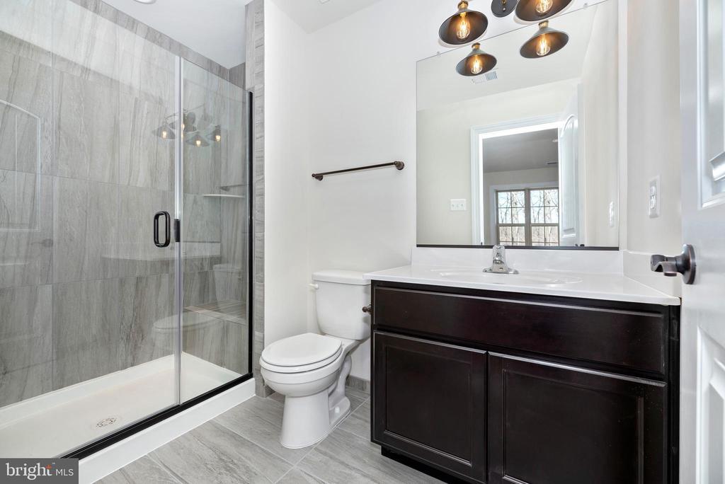 Bedroom 4 en suite Bathroom 3 - 6626 ACCIPITER DR, NEW MARKET