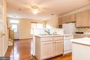 Large open kitchen with plenty of storage - 22909 ADELPHI TER, STERLING