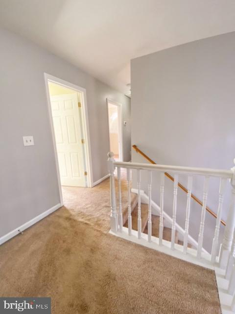 Foyer at the top of the stairs - 10809 WISE CT, SPOTSYLVANIA