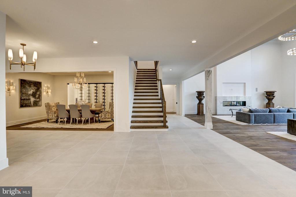 Imported Italian ceramic and European Oak floors - 620 RIVERCREST DR, MCLEAN