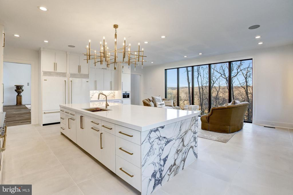 Sweeping views of the river from the kitchen - 620 RIVERCREST DR, MCLEAN