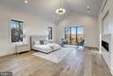 The primary suite overlooks the river - 620 RIVERCREST DR, MCLEAN