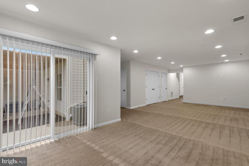 Recreation Room Walk Out - 7839 RIVER ROCK WAY, COLUMBIA