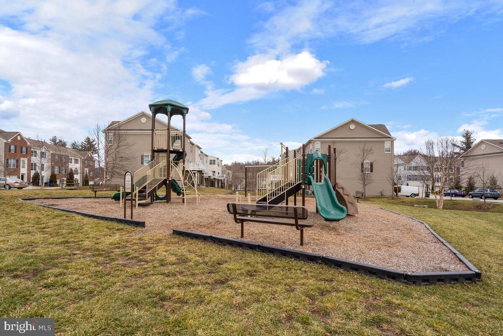 Community Playground - 7839 RIVER ROCK WAY, COLUMBIA