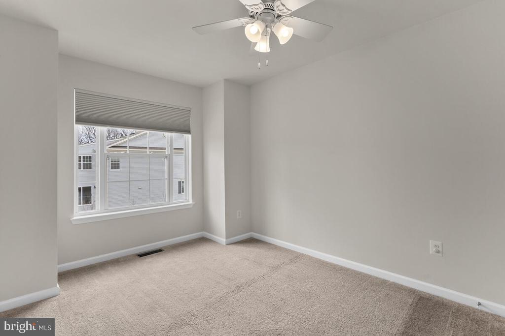 Bedroom 2 with Box Bay Window - 7839 RIVER ROCK WAY, COLUMBIA