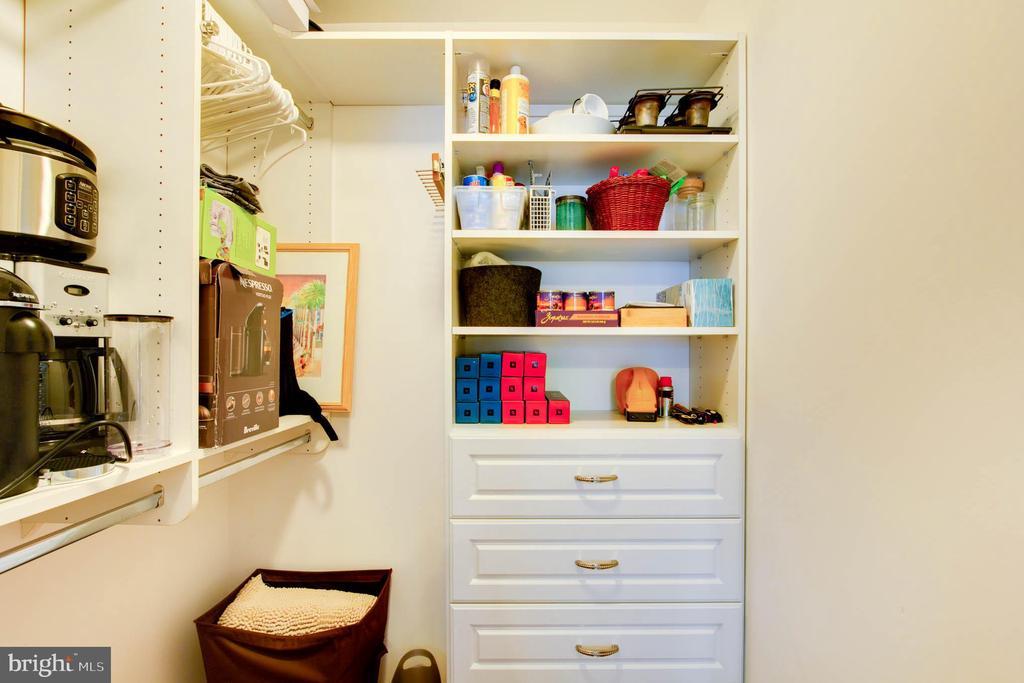 Closet - 11990 MARKET ST #1301, RESTON