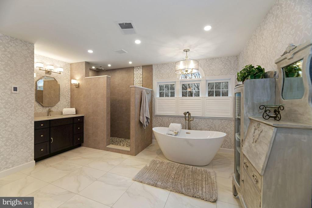 Primary Spa Bath with Heated Floors - 8192 COTTAGE ROSE CT, FAIRFAX STATION