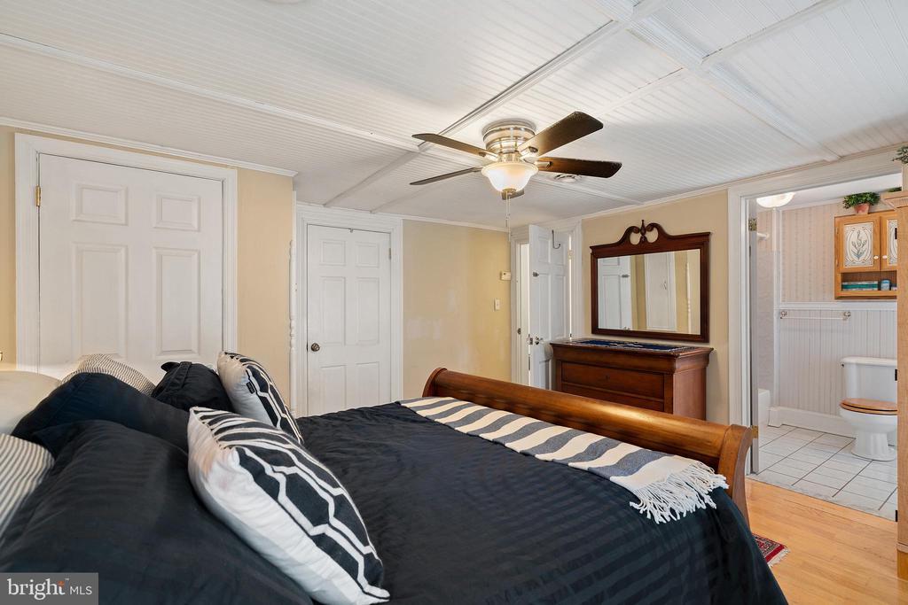 Bedroom #7 overlooking 7th st. - 515 7TH ST SE, WASHINGTON
