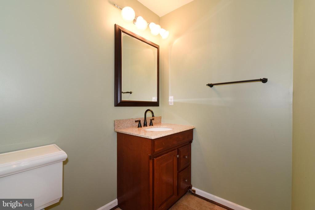 REC ROOM HALF- BATHROOM - 42717 COOL BREEZE SQ, LEESBURG