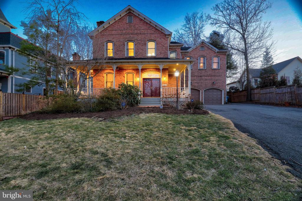 - 6601 OLD CHESTERBROOK RD, MCLEAN