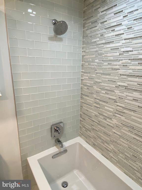 Bathroom 2 - 3409 WILSON BLVD #611, ARLINGTON