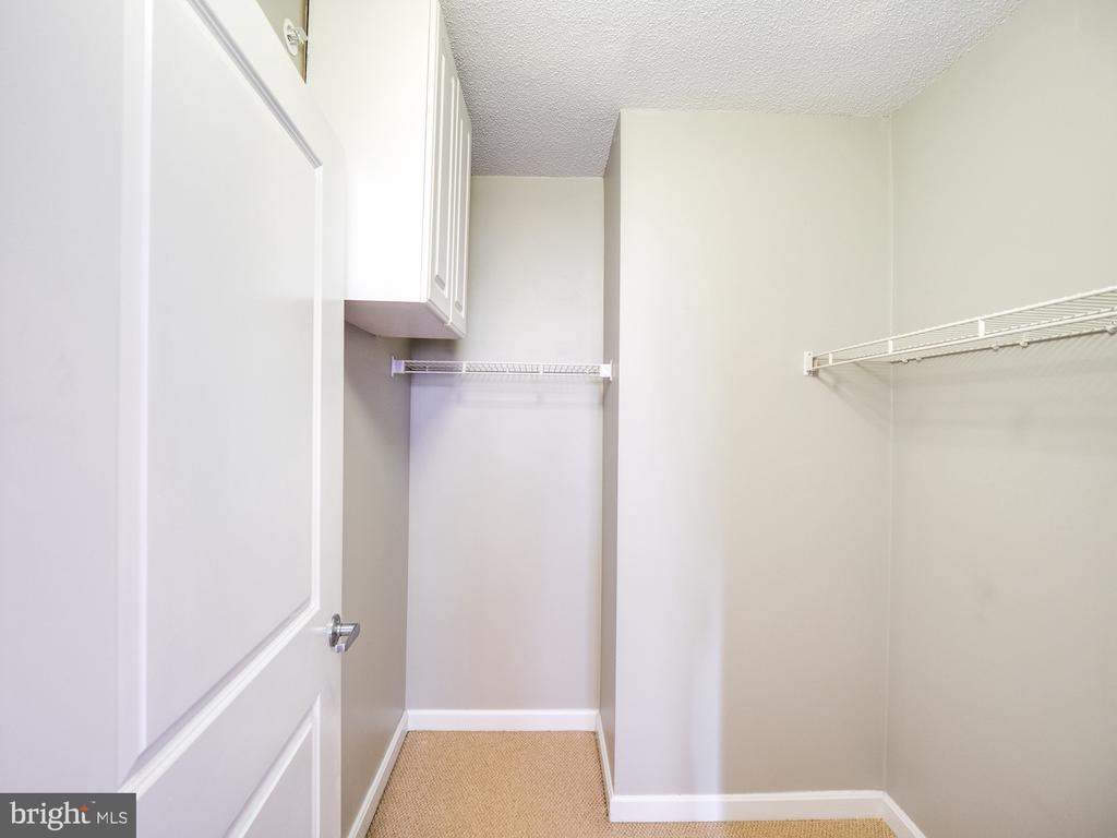 Walkin closet in 2nd bedroom - 880 N POLLARD ST #201, ARLINGTON