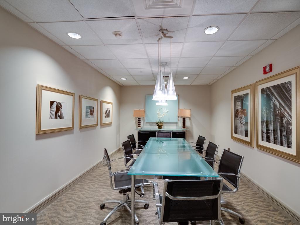Board room for business. - 880 N POLLARD ST #201, ARLINGTON