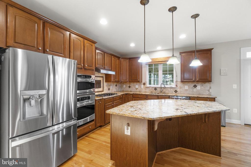 Upgraded Stainless Steel Appliances - 11208 BLUFFS VW, SPOTSYLVANIA