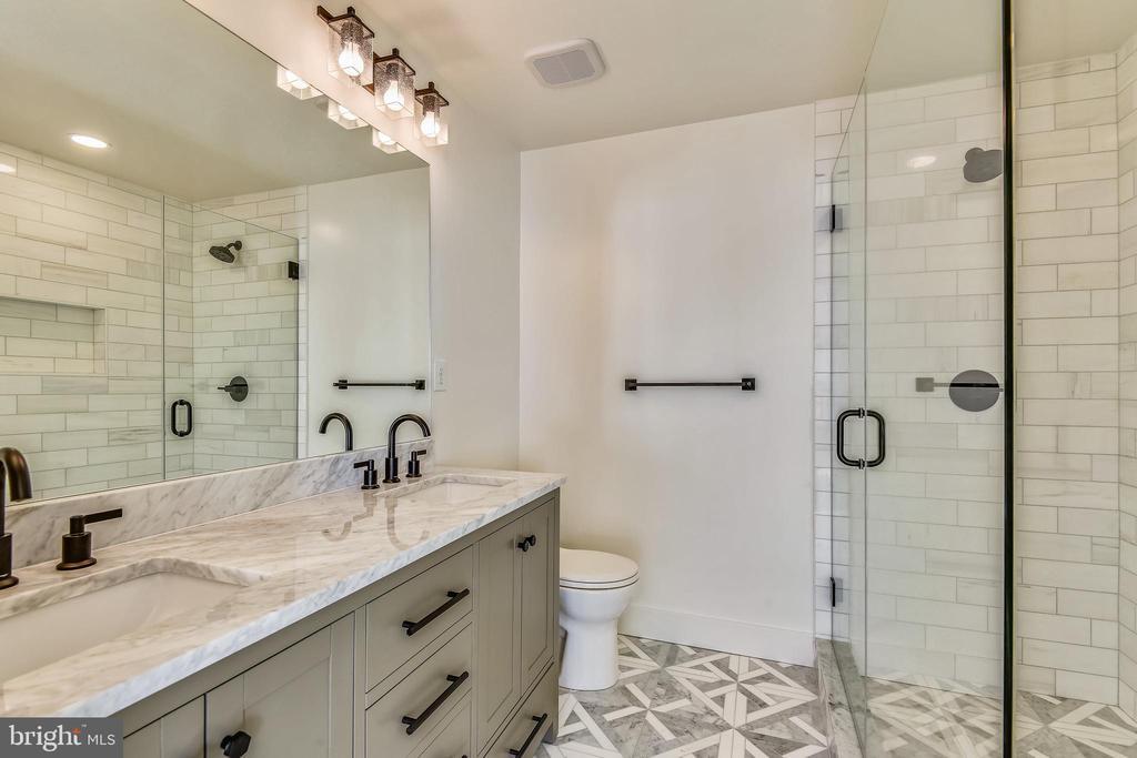 Custom Owner's Suite Bathroom with Marble Tile - 309 N PATRICK ST, ALEXANDRIA