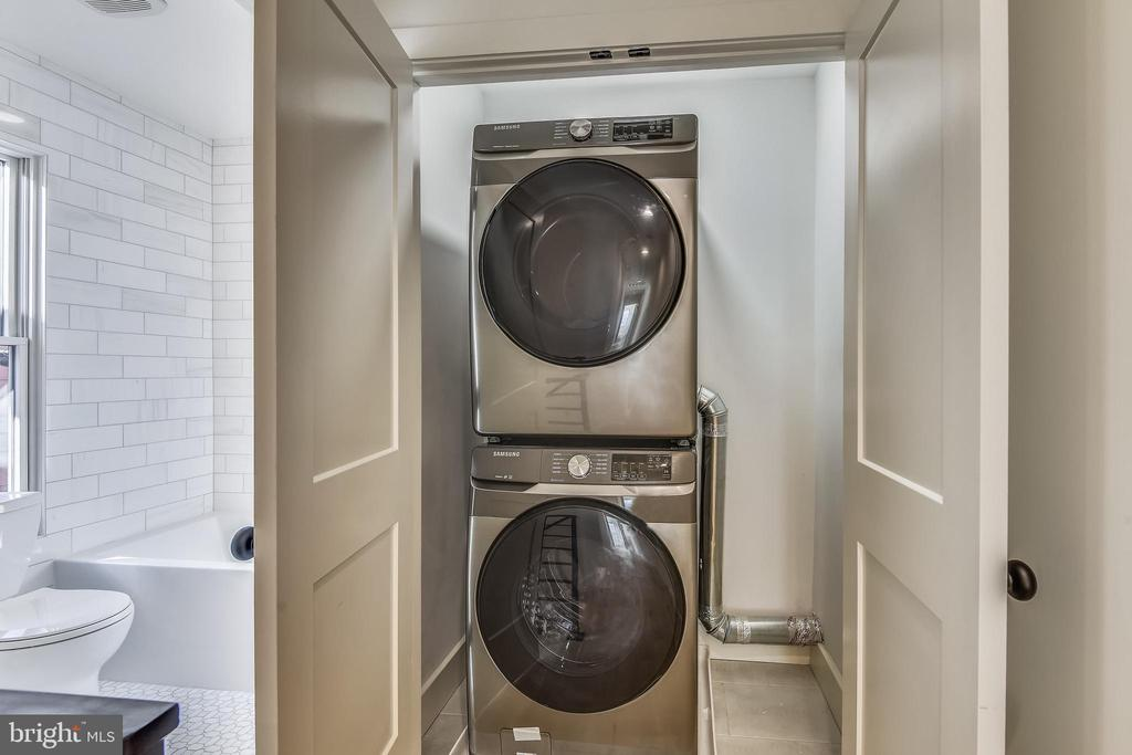 Easy Access Washer/Dryer Closet - 309 N PATRICK ST, ALEXANDRIA