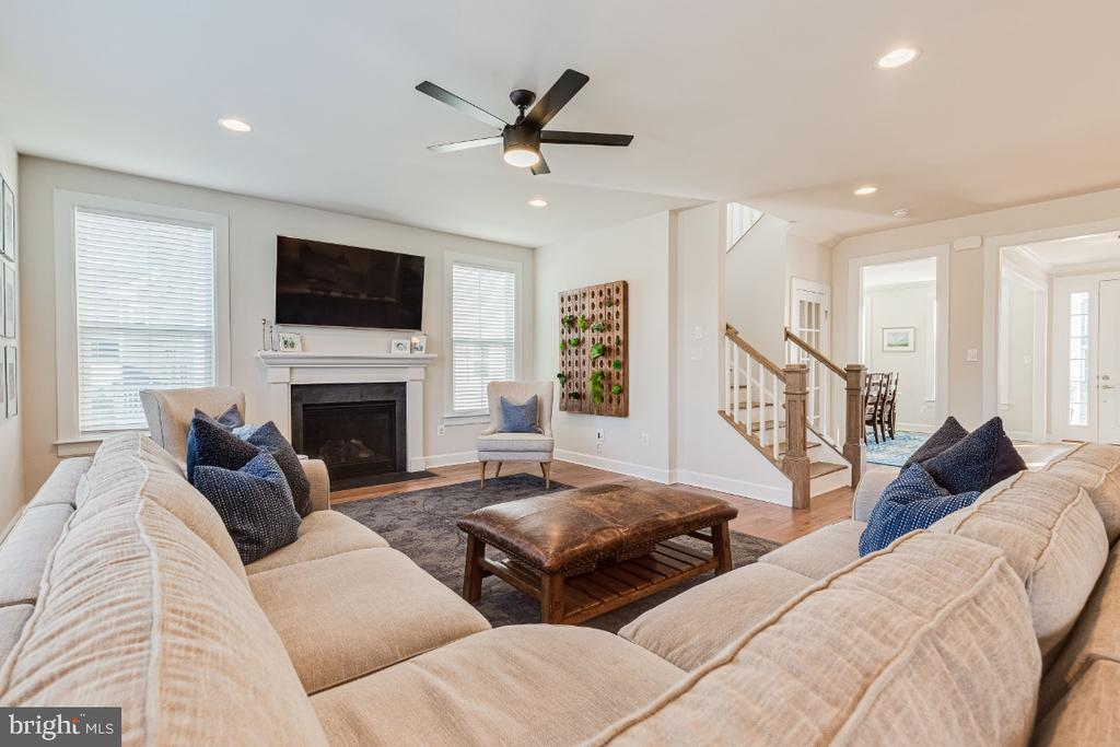 Large Family Room - 23581 AMESFIELD PL, ALDIE