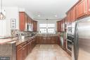 A foodie's dream - you have space for EVERYTHING - 22702 VERDE GATE TER, ASHBURN