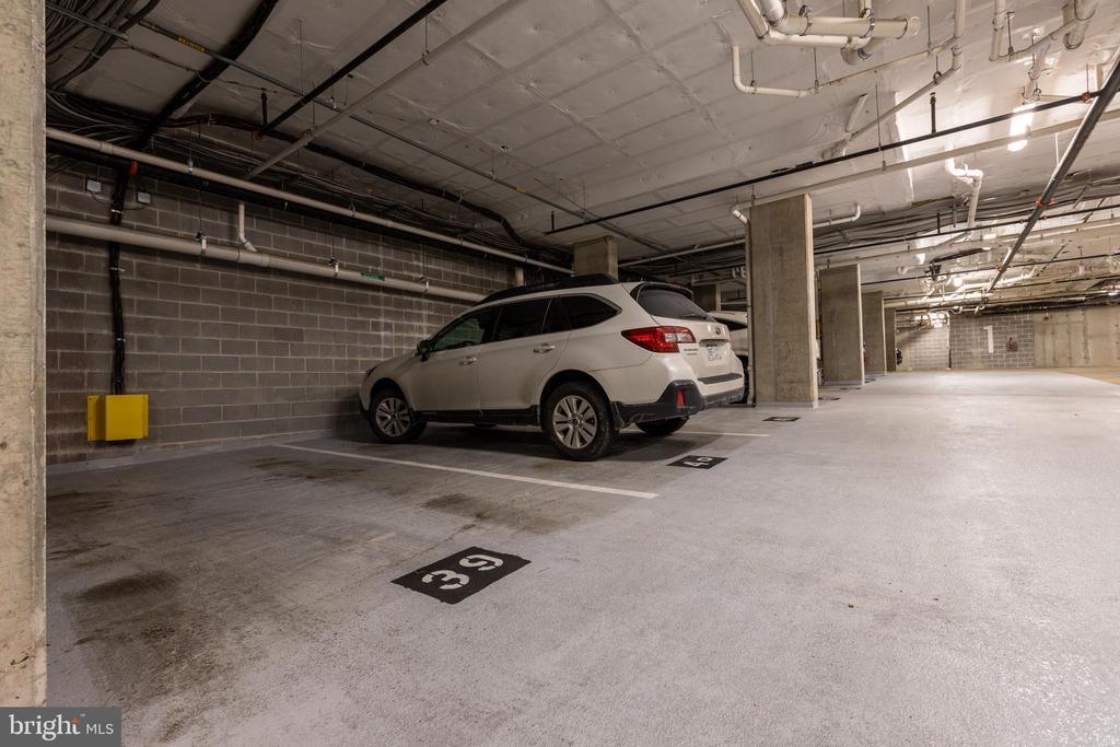Assigned parking conveys - 1411 KEY BLVD #211, ARLINGTON