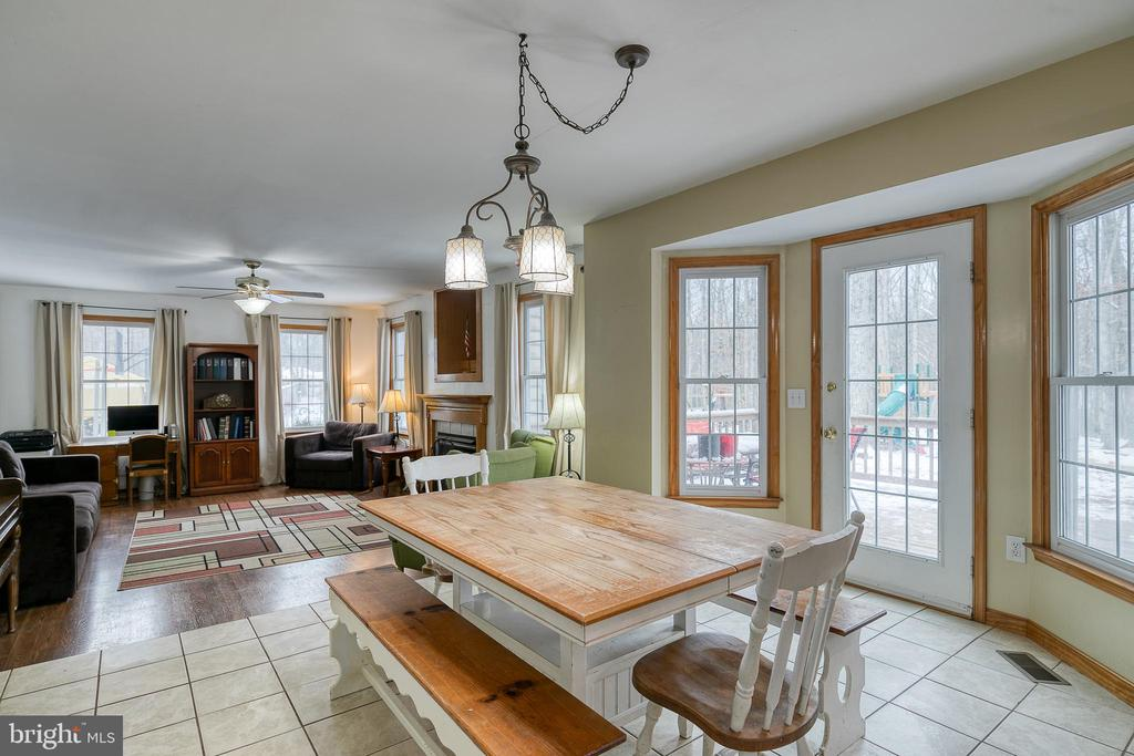 Breakfast area with walk out to the oversized deck - 24 CARDINAL DR, FREDERICKSBURG