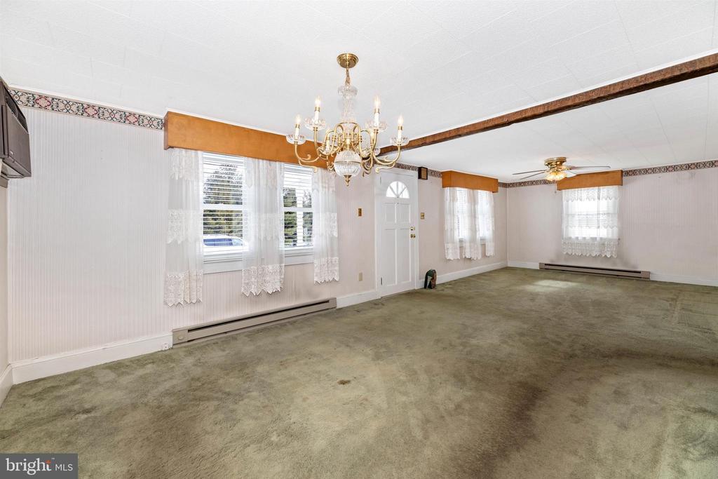 Dining Room/living room - 12216 AUBURN RD, THURMONT