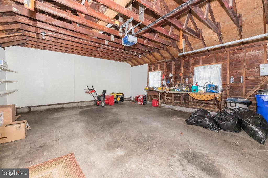 Garage - 12216 AUBURN RD, THURMONT