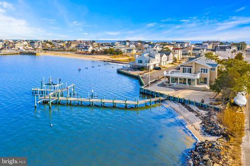 22 BOND AVENUE - LONG BEACH TOWNSHIP