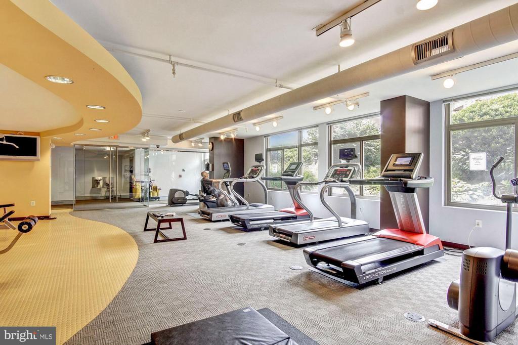 Fitness Center - 3650 S GLEBE RD #267, ARLINGTON
