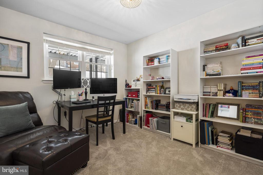 2nd bedroom can double as home office - 4616 28TH RD S #A, ARLINGTON